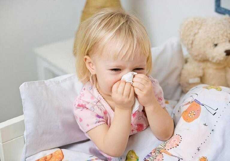 Bệnh khởi phát từ nhiều nguyên nhân, khiến trẻ mệt mỏi và sức khỏe suy giảm