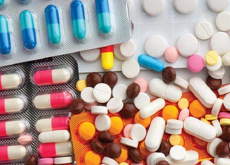 Thuốc kháng histamin H1 là một trong những nhóm thuốc được sử dụng để điều trị viêm xoang mãn tính