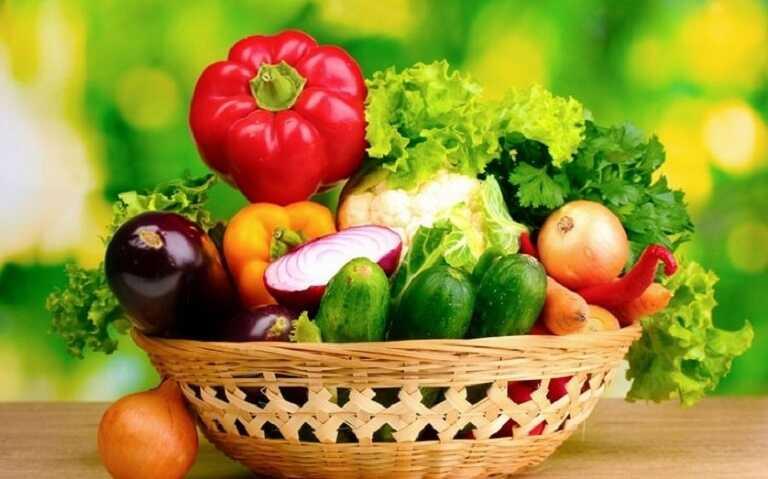 Người bị ho tăng cường sử dụng các sản phẩm tốt cho sức khỏe và tránh ăn những thực phẩm khiến bệnh ho trở nên nghiêm trọng hơn