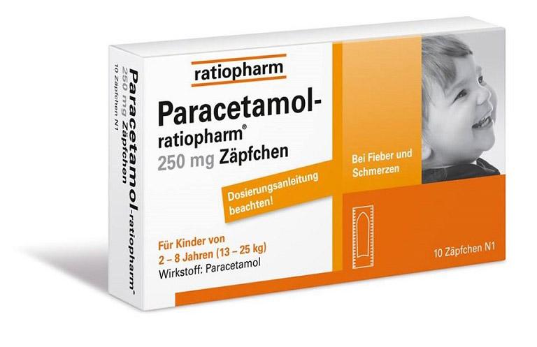 Trẻ có thể cần uống Paracetamol để hạ sốt, giảm đau do viêm amidan gây ra