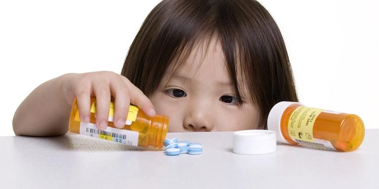 Sử dụng kháng sinh là cách chữa viêm amidan ở trẻ em hiệu quả