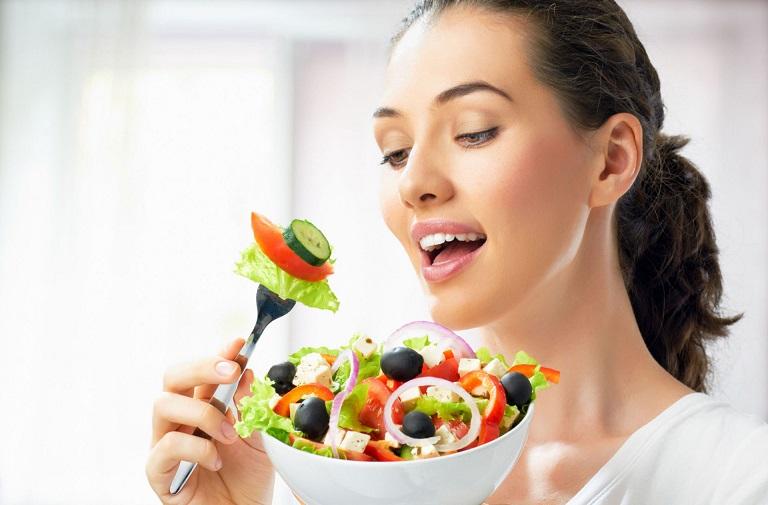 Chế độ ăn uống đặc biệt quan trọng với người bệnh sau cắt amidan