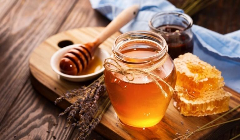 Chữa viêm amidan bằng mật ong