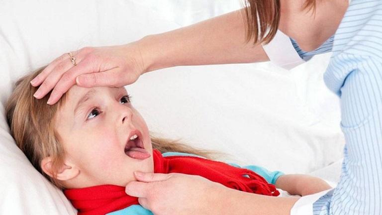 Trẻ bị viêm amidan sốt mấy ngày?