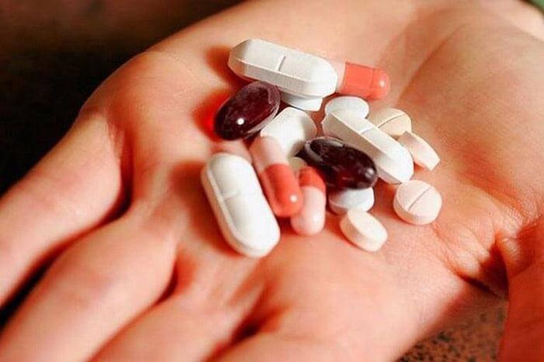 Điều trị viêm họng ở trẻ bằng thuốc Tây
