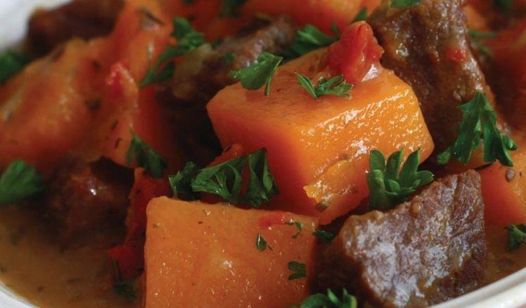 Cách làm canh thịt bò bí đỏ