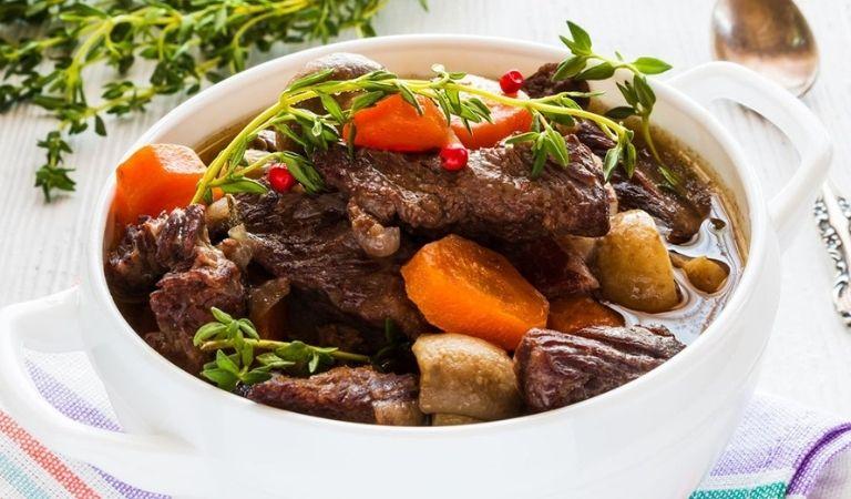 Thịt bò hầm hạt sen đem lại nhiều dinh dưỡng cho người viêm amidan