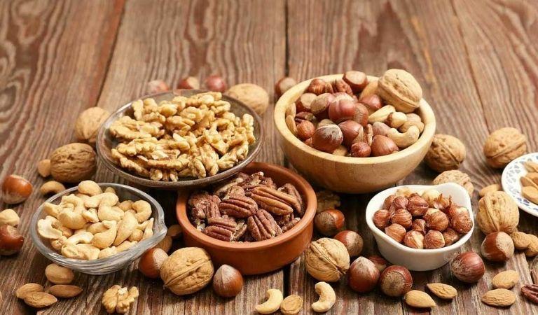 Tránh sử dụng các loại hạt cứng hoặc đồ khô