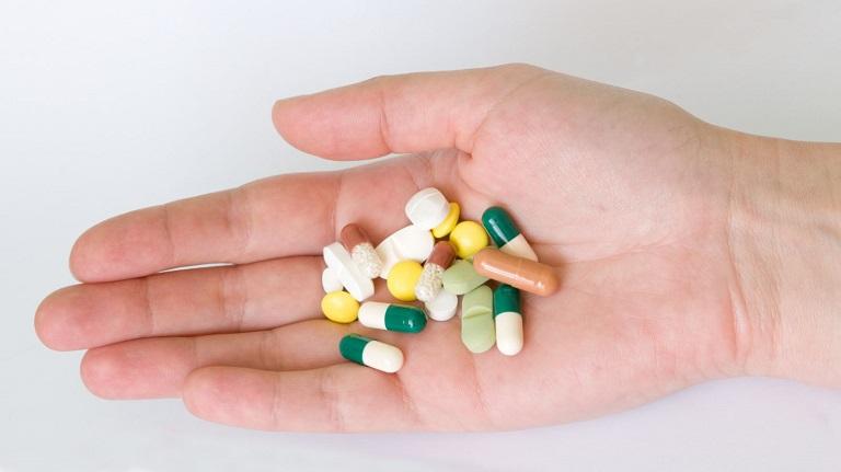 Người bệnh có thể sử dụng kháng sinh để điều trị bệnh