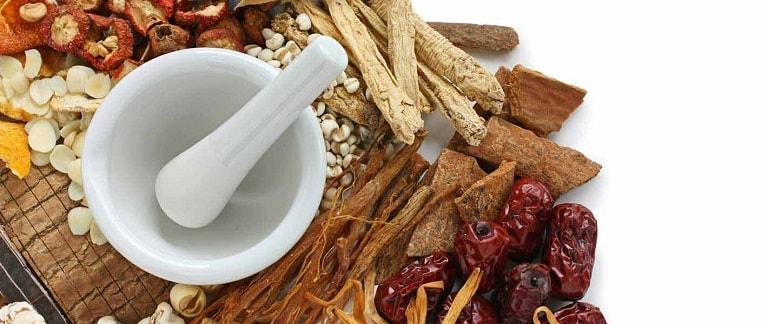 Các bài thuốc Đông y trị viêm họng khá lành tính, ít tác dụng phụ