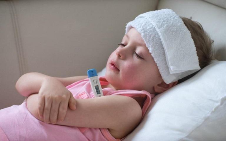Cần sử dụng thuốc hạ sốt nếu trẻ bị sốt cao