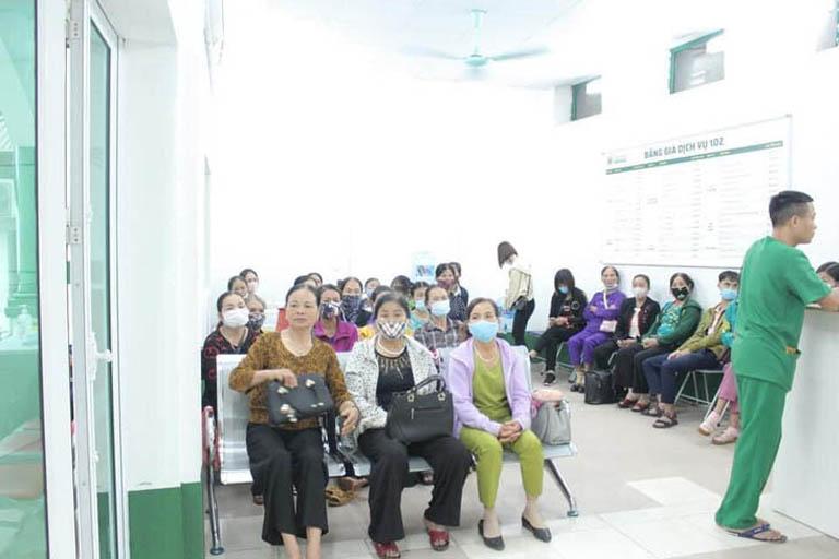 Bệnh nhân tại bệnh viện Quân dân 102