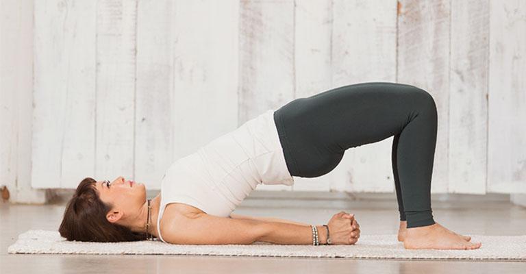 Bài Bridge Pose Yoga chữa viêm họng