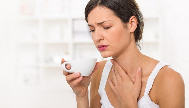 Bài thuốc tác dụng chữa khàn tiếng, ngạt mũi, ớn lạnh, sưng đau ở cổ họng