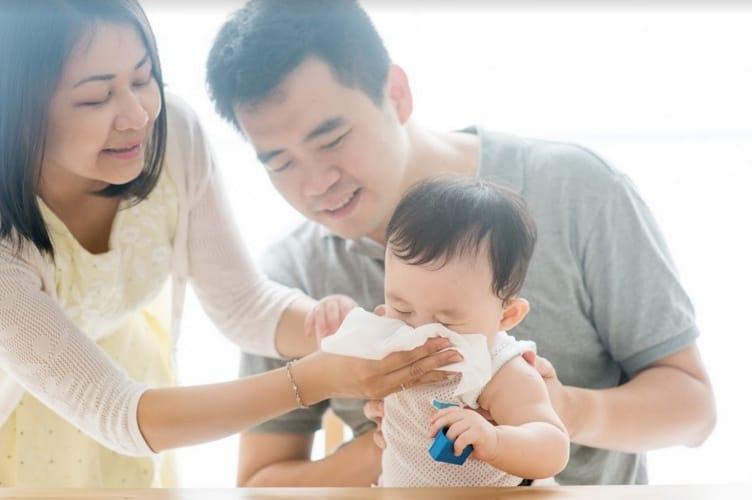 Vệ sinh mũi họng cho các bé hàng ngày