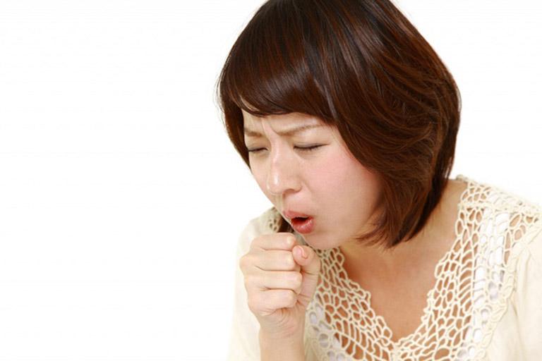Đông y quan niệm rằng ho có nguyên nhân do cơ thể nhiễm phong nhiệt, phong hàn, tích tụ độc tố, mất cân bằng âm dương