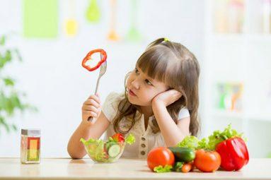 Trẻ bị viêm họng nên ăn gì