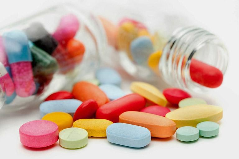 Thuốc Tây y chữa bệnh cho trẻ nhỏ