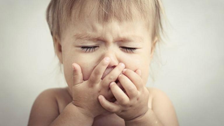 Ho khan, sốt nhẹ là biểu hiện bệnh giai đoạn khởi phát