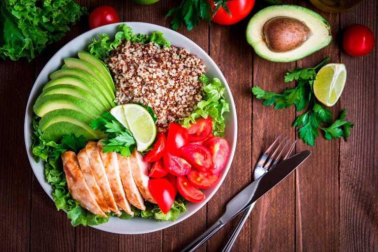 Rau xanh, ngũ cốc giàu chất xơ và vitamin tốt