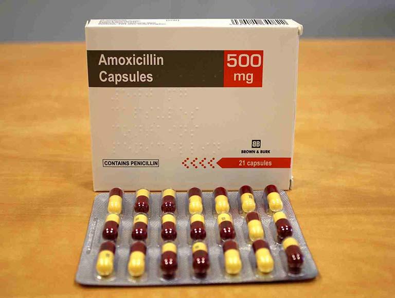 Thuốc kháng sinh dạng uống chữa viêm họng mãn tính