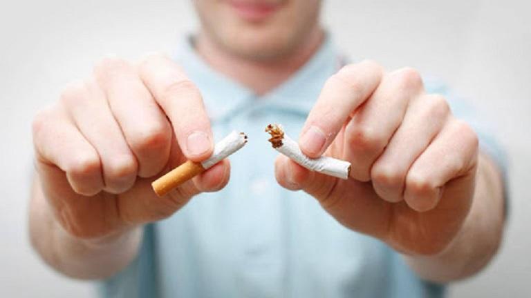 Người bệnh tuyệt đối không được hút thuốc lá để bảo vệ sức khỏe phế quản và phổi