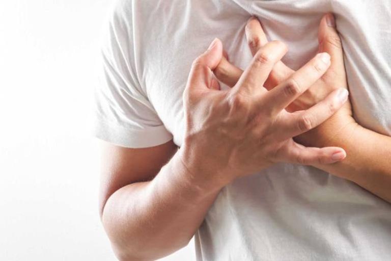 Người bệnh bị khó thở, khi thở phát ra tiếng khò khè