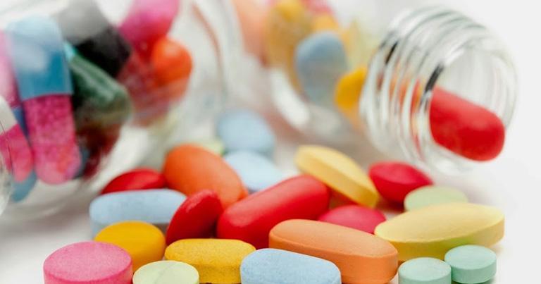 Điều trị viêm xoang cấp bằng thuốc Tây y là phương pháp điều trị bệnh tích cực, giúp điều trị nhanh các triệu chứng bệnh và ngăn ngừa bệnh tái phát