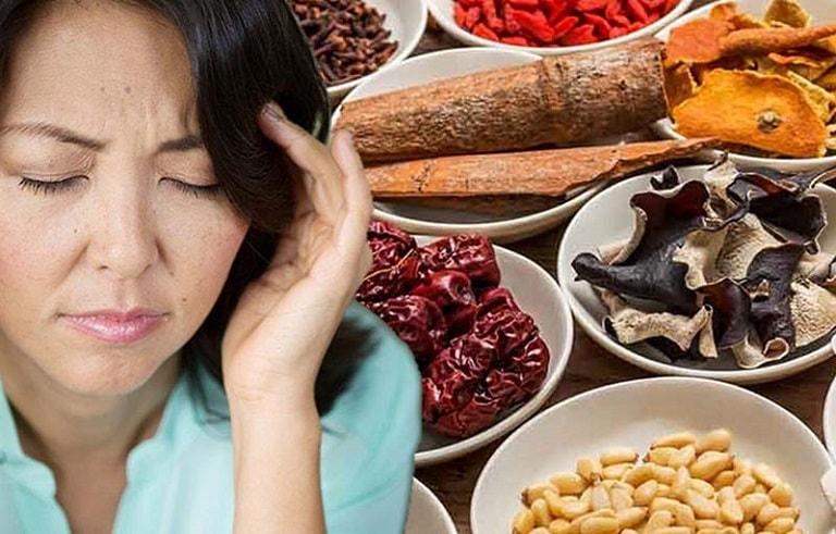 Viêm xoang trán là bệnh lý hình thành do chính khí hư và tà độc xâm nhập vào cơ thể theo quan niệm của Đông y