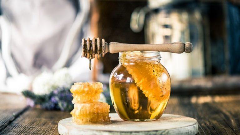Lá mơ trị viêm họng mang lại hiệu quả cao khi kết hợp với mật ong