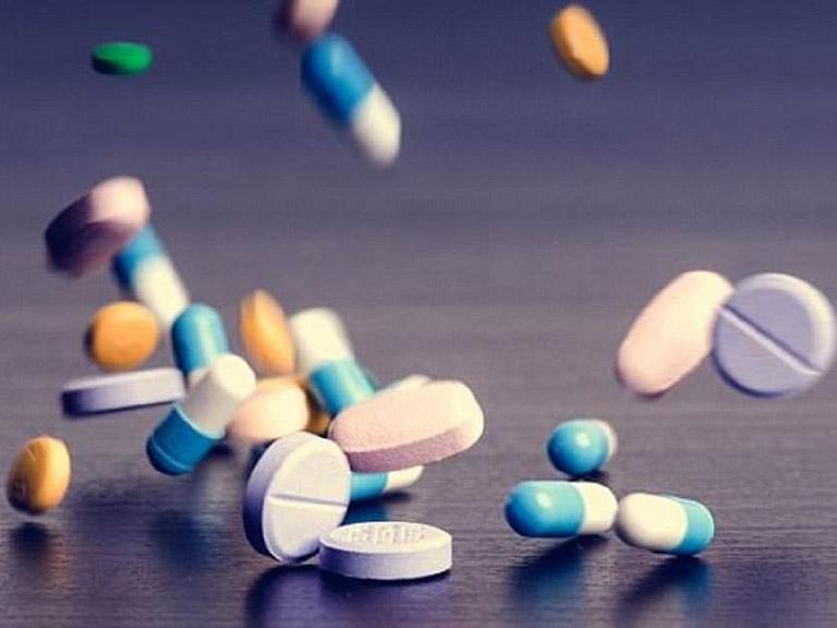 Thuốc tân dược điều trị viêm họng có đốm trắng
