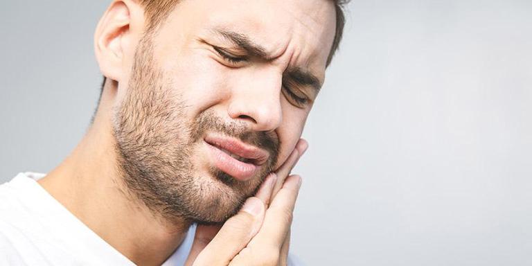 Những người có bệnh lý về răng miệng mà không điều trị kịp thời dễ biến chứng thành viêm xoang hàm phải