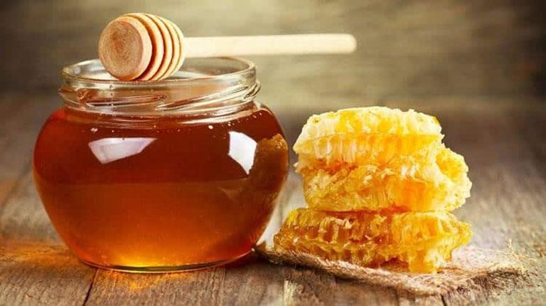 Mật ong là nguyên liệu kháng viêm, cấp ẩm
