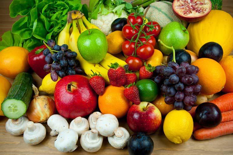 Chế độ dinh dưỡng giàu chất xơ, rau xanh và hoa quả