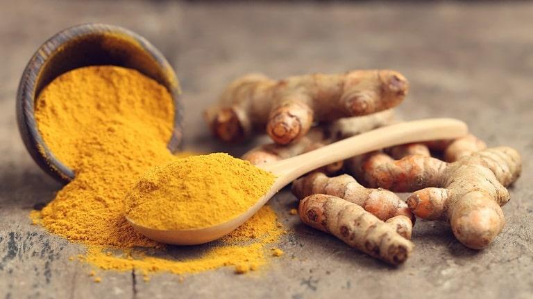 Nghệ vàng kết hợp với mật ong theo tỉ lệ 1/1 có khả năng trị viêm xoang rất tốt