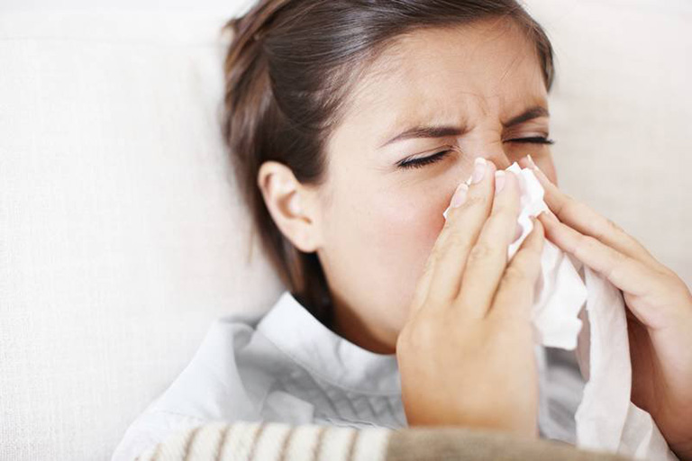 Bệnh viêm xoang sàng mãn tính thường có các triệu chứng kéo dài