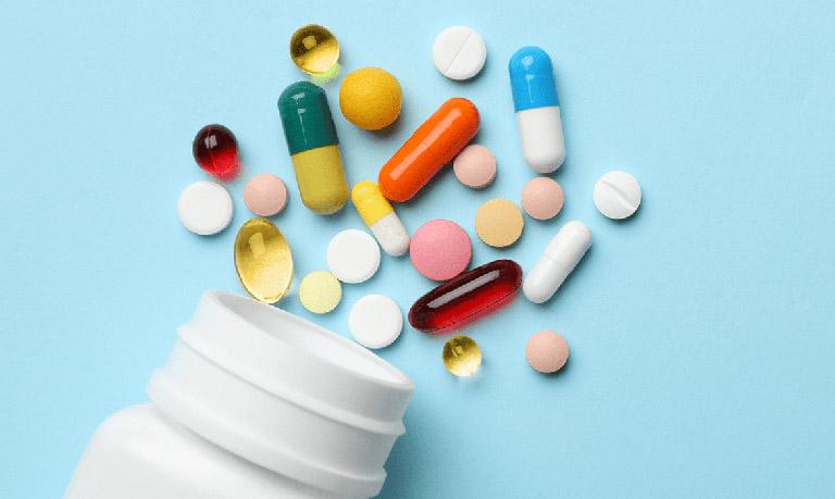 Y học hiện đại chữa bệnh bằng các loại thuốc Tây