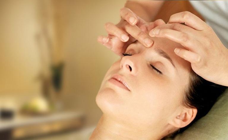 Viêm xoang có gây mất ngủ không - Cách cải thiện bằng phương pháp massage