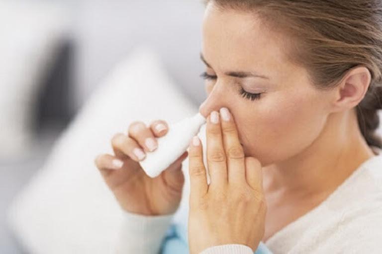 Sử dụng thuốc Tây điều trị viêm xoang chảy máu mũi cần chú ý về liều lượng