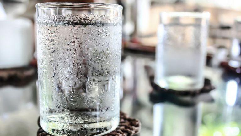 Không sử dụng nước đá cũng như các thực phẩm lạnh vào mùa đông