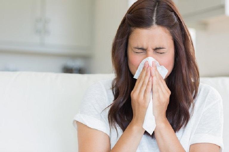 Viêm xoang mũi dị ứng thời tiết có thuật ngữ tiếng Anh là Weather allergic rhinitis