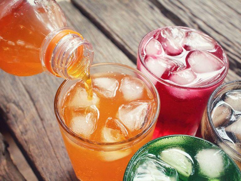 Uống nước hoặc dùng những loại thức ăn lạnh như kem, chè... không tốt cho người bị viêm xoang sàng