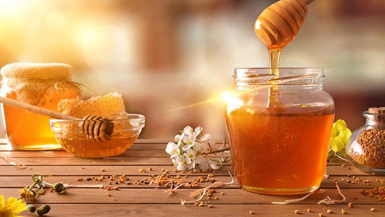 Mật ong chữa viêm xoang sàng trước hiệu quả