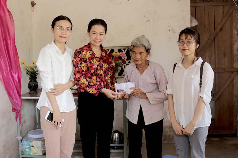Đoàn thăm hỏi nhiều người bệnh có hoàn cảnh khó khăn tại Thái Bình