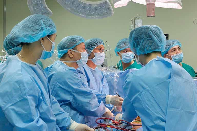 Những trường hợp bệnh nặng có thể áp dụng cách chữa viêm xoang trán bằng phẫu thuật