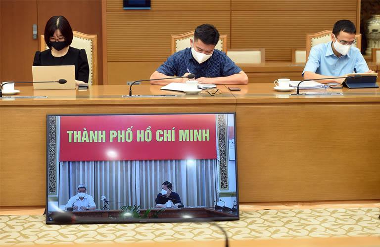 Họp trực tuyến với ban lãnh đạo TP. Hồ Chí Minh