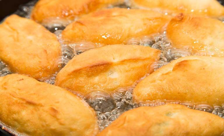 Đồ ăn nhiều dầu mỡ có thể làm tích tụ dịch nhầy trong xoang