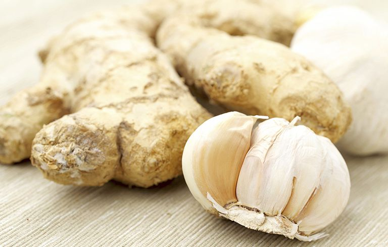 Gừng tỏi là nhóm thực phẩm chứa kháng sinh tự nhiên