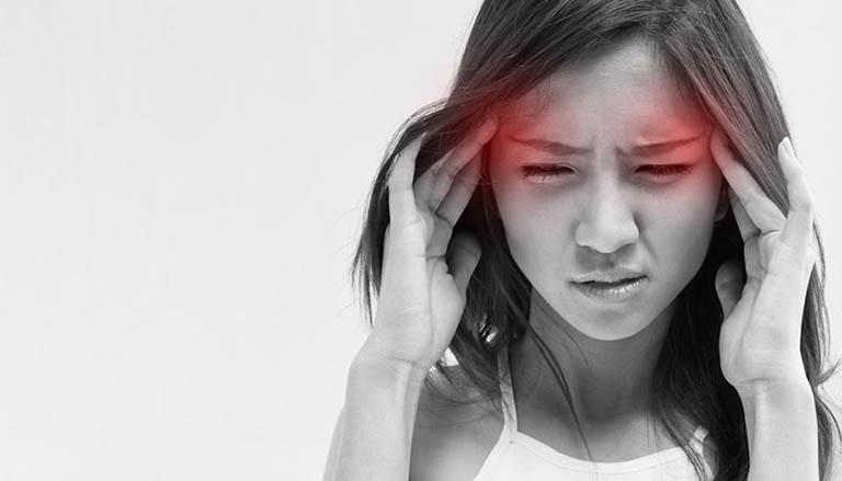 Người bệnh cảm thấy các cơn đau đầu tăng dần